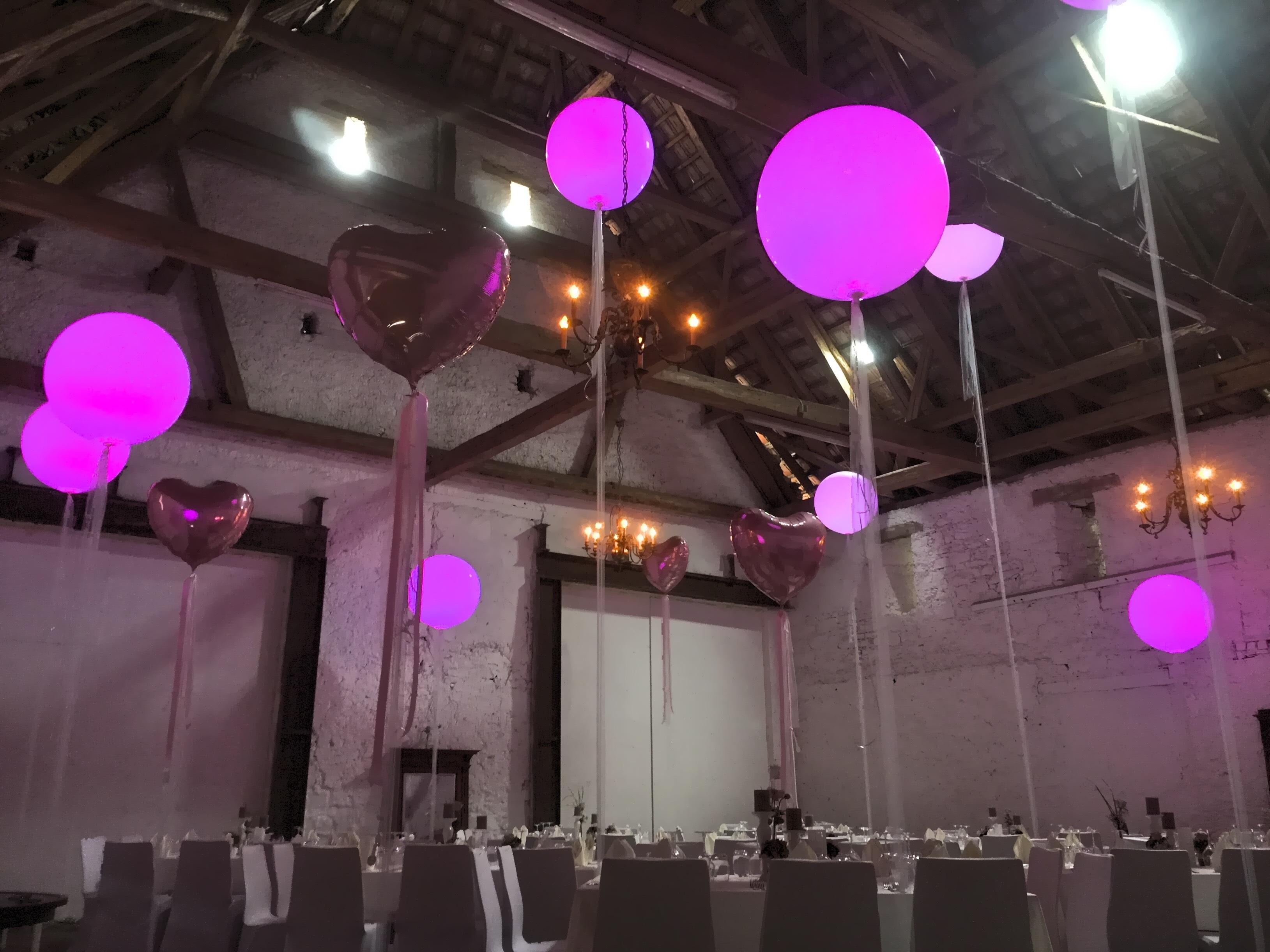 3385f294-5e33-29d9-aebe-871d988d3647 Luxus Ballon Mit Led Licht Dekorationen
